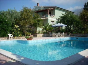 Cottage Torre Colonna-Sperone for 8 people